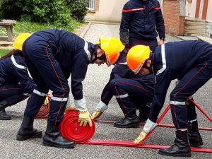 La section jeunes-sapeurs-pompiers du Collège Sainte-Claire en manoeuvre